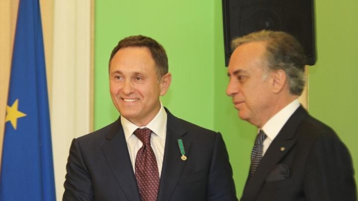 Гендиректору предприятия «КОНАР» вручили орден «За заслуги перед Итальянской Республикой»