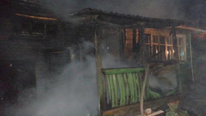 Бездомные подожгли частный дом в Котласе