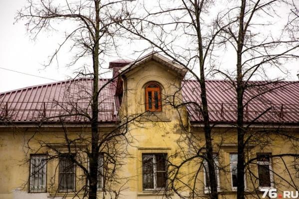 Старые дома хранят свои секреты
