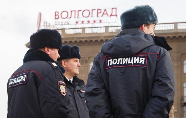 В центре Волгограда мужчина взял приятеля в заложники из-за тысячи рублей