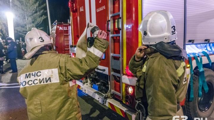 «Я б в пожарные пошел, пусть меня научат»: самарцев приглашают на работу в МЧС
