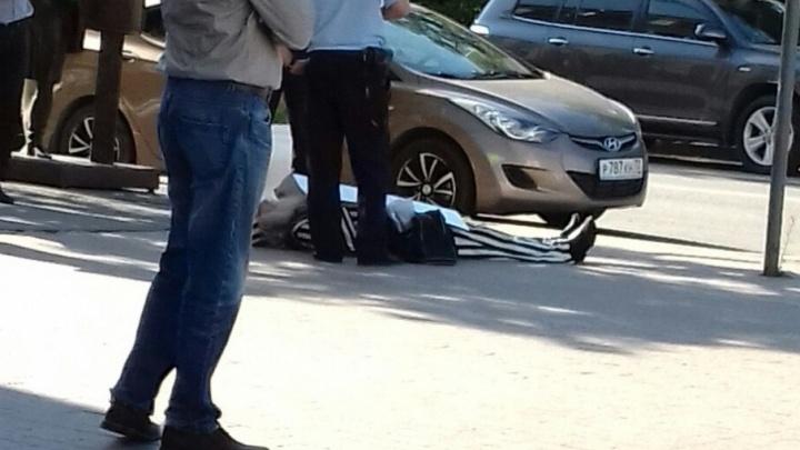 Тюменского пенсионера-пикетчика с плакатом про тюрьму отправили в больницу на обследование