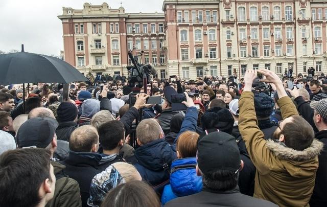 На пятерых участников антикоррупционного митинга в Ростове составили протоколы