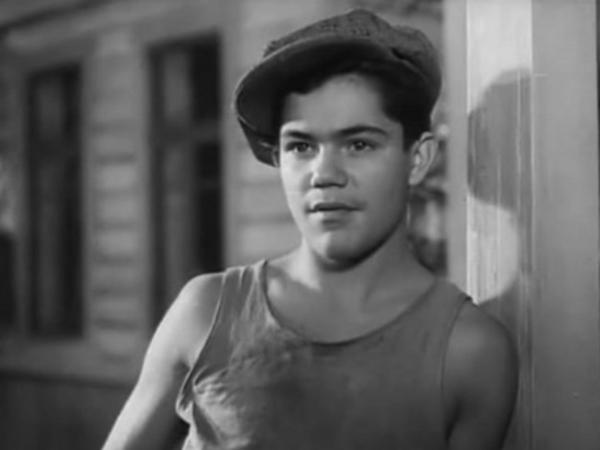 кадр из фильма «Тимур и его команда», реж. А. Разумный, 1940 г.