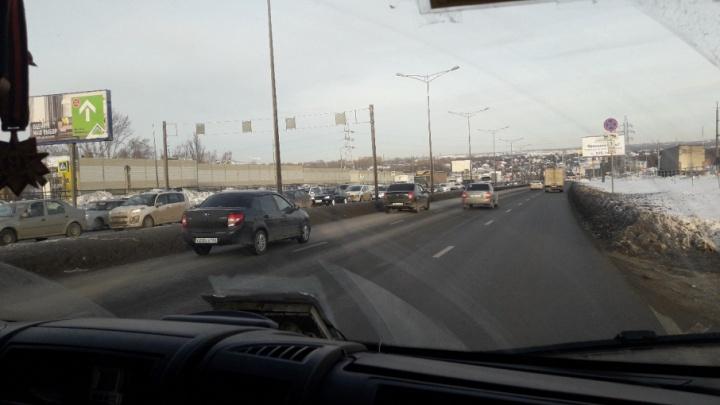 В Самаре вдоль Московского шоссе установили первый защитный экран