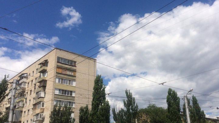 В Волжском установили причину стоявшего в городе запаха нечистот