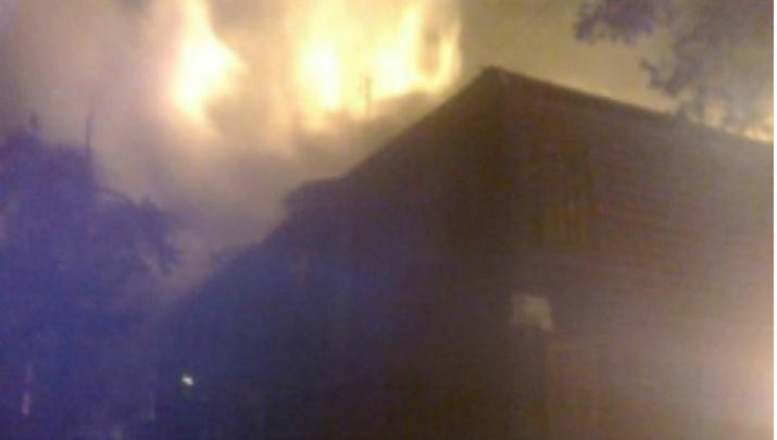 В Ярославле продолжают гореть расселённые дома