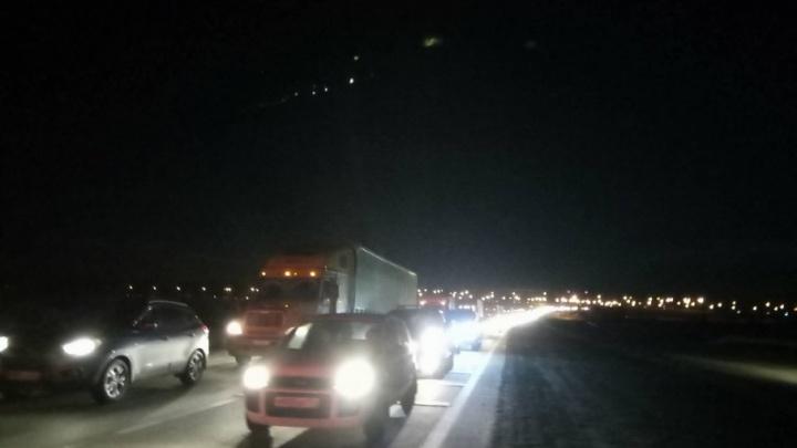 На трассе М-5 под Челябинском образовалась многокилометровая пробка