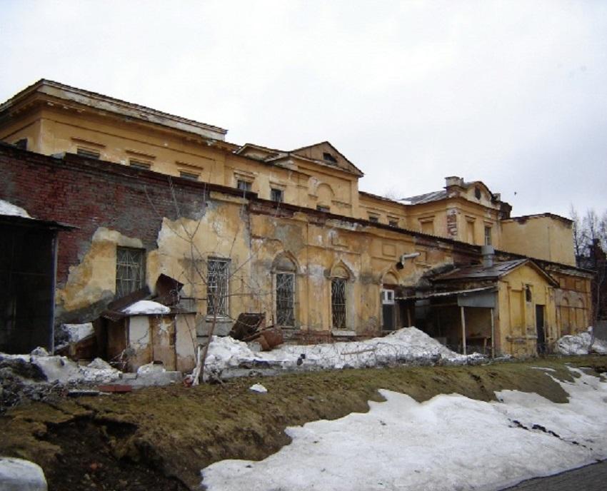 В таком виде было здание в наше время.