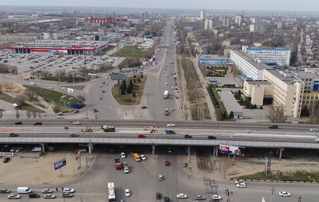 Волгоградцы могут взглянуть на дорогу к аэропорту с высоты