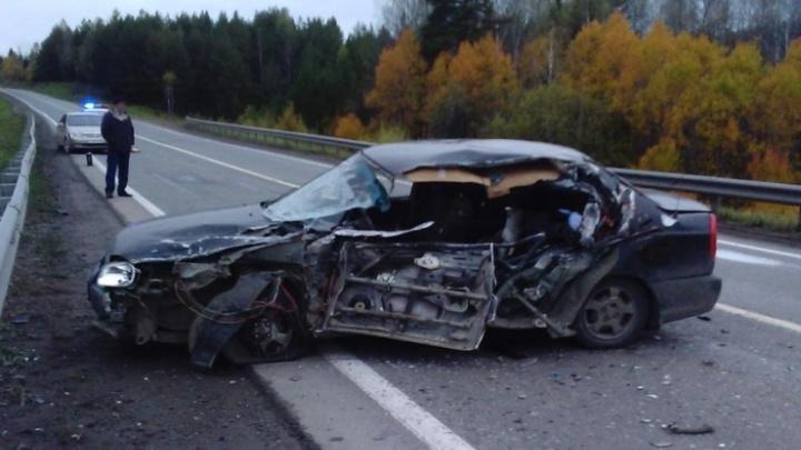 Один погиб, трое пострадали: на трассе Пермь–Екатеринбург легковушка столкнулась с «газелью»