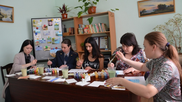Сотрудники областного ГУФСИН взялись за кисти и краски