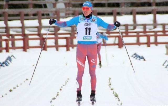 Александр Большунов выиграл марафон на чемпионате России в Ханты-Мансийске