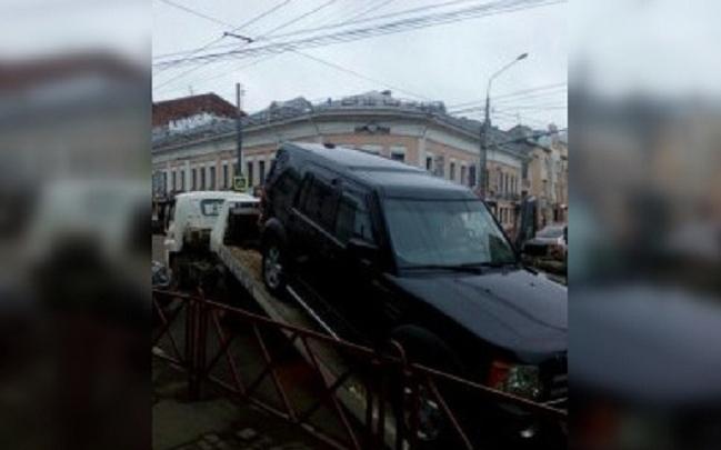 У ярославского бизнесмена арестовали машину, на которой он приехал на работу