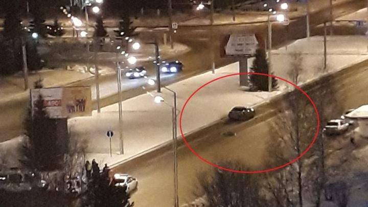 В Тобольске ночью Mazda насмерть сбила пешехода