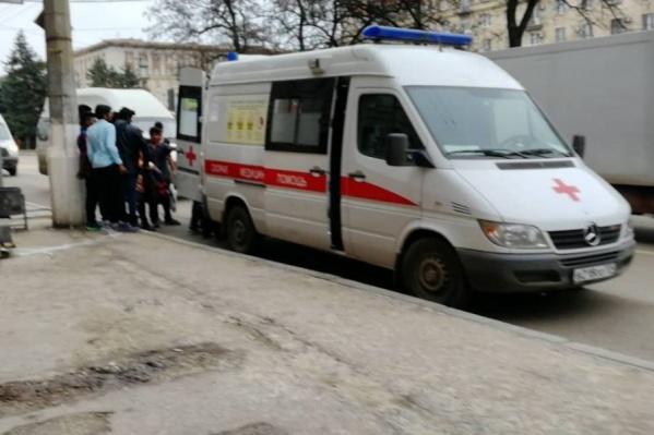 Иностранца отправили в инфекционную больницу
