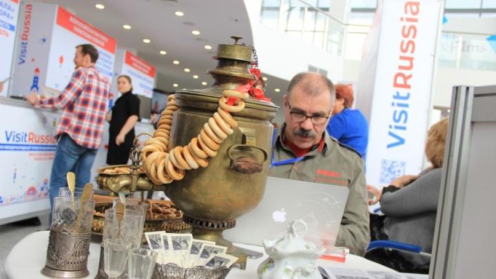 Станцевать с Петром I и съесть луковый пирог: в Ярославле учат развлекать туристов