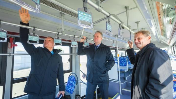 Бесшумный и с камерами: тестовый электробус доставили в Челябинск