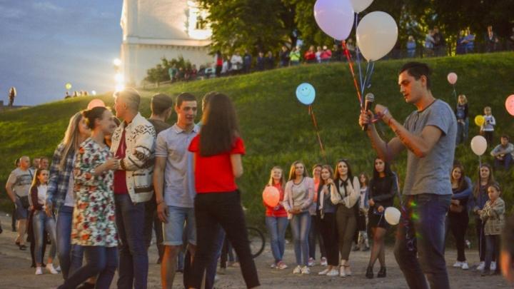 В Самаре в память о школьниках, погибших в Беслане, выпустят в небо воздушные шары