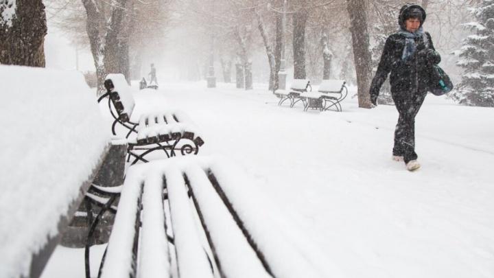 В Волгограде чучело Масленицы засыплет снегом