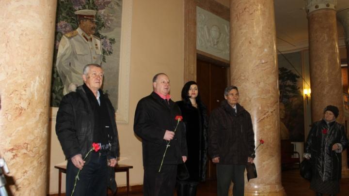 Волгоградских коммунистов впервые свободно пропустили к Сталину