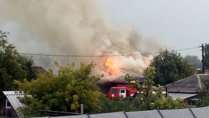 В пожаре на улице Менжинского погибла женщина