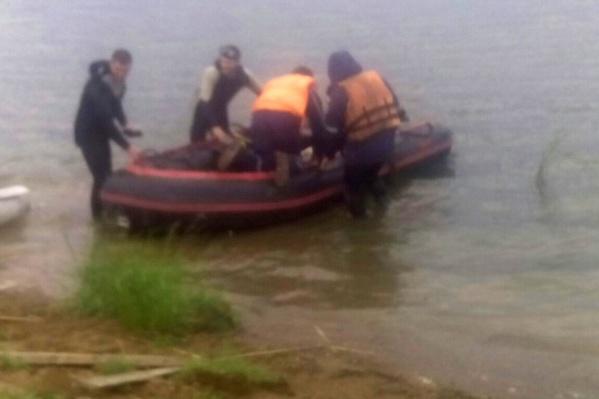 Спасатели продолжают работу на месте трагедии