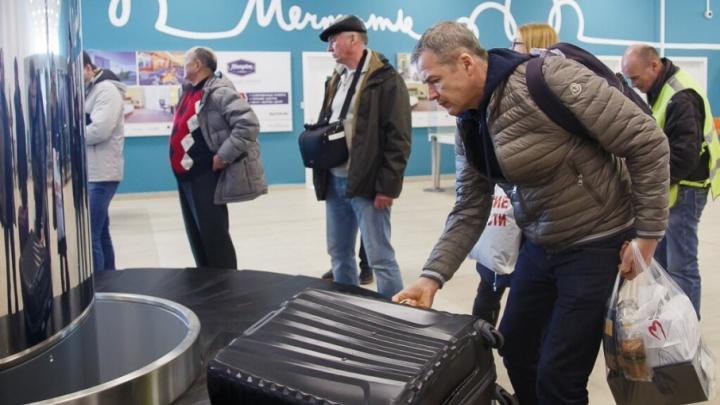 Волгоградский туман выпустил засидевшихся в аэропорту пассажиров