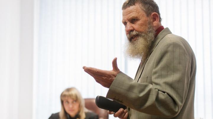 По делу о сносе конюшни на Мысу в суд вызовут чиновников из департамента имущественных отношений