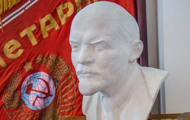 Волгоградских коммунистов через суд заставили платить за аренду и коммуналку