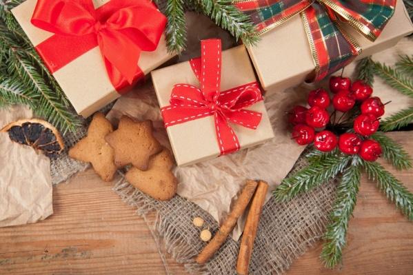 Где купить подарки для романтиков, творческих личностей и гаджетоманов по достойной цене