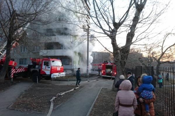 В МЧС отметили, что пожар был одним из самых сложных за последнее время