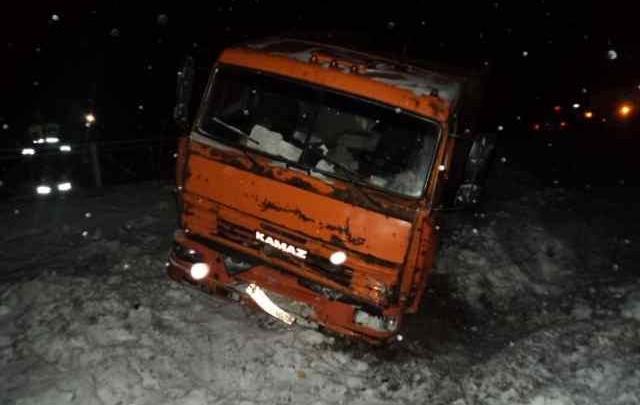 В Приморском районе «Лада» рискнула взять на таран КАМАЗ