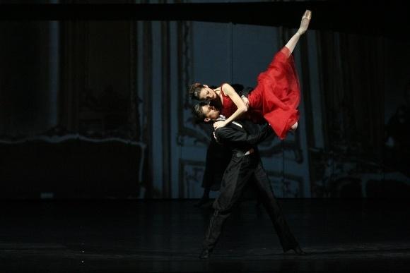 Вронский – Юрий Смекалов, Анна – Ульяна Лопаткина