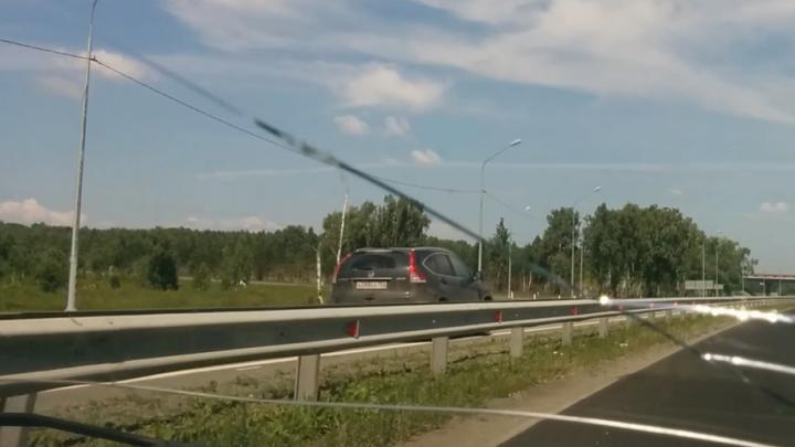 Водитель-пермяк насмешил южноуральских автомобилистов грубым нарушением на трассе