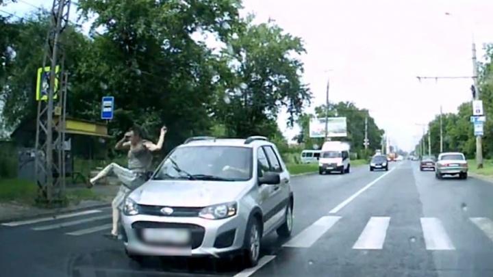 Смертельное ДТП в Тольятти: мужчина выбежал на пешеходный переход