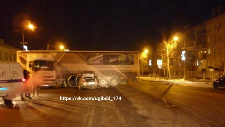 В Копейске в столкновении с грузовиком погиб 19-летний водитель «десятки»