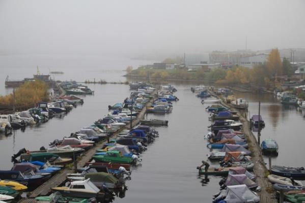 Владельцев лодок и катеров просят позаботиться о своем водном транспорте заранее