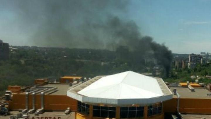 Центр Ростова заволокло дымом из-за пожара