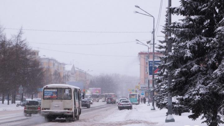 Инспекция 29.ru: по заснеженным улицам Архангельска проехать можно, по дворам — нет