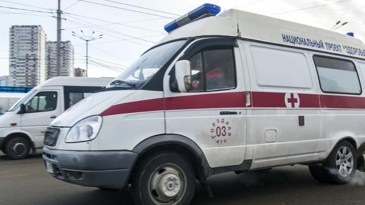 Мужчина умер во дворе Первомайского района Ростова