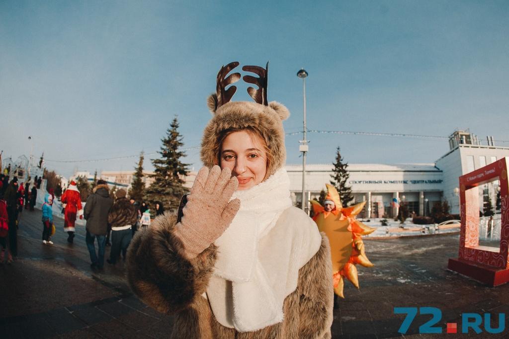 Она научила редакцию 72.ru, как не замёрзнуть на морозе: нужно прыгать на месте и весело размахивать руками