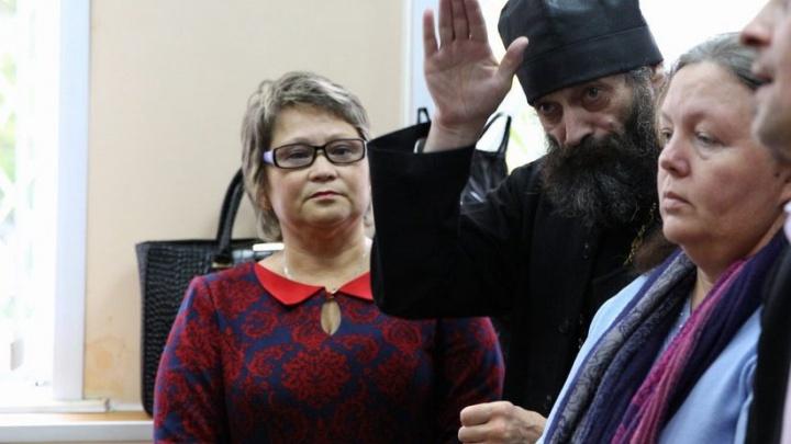 """Батюшка на приговоре по мосейцевскому делу: «Суд """"пришпокнул"""" СМИ, оклеветавшие моих подзащитных»"""