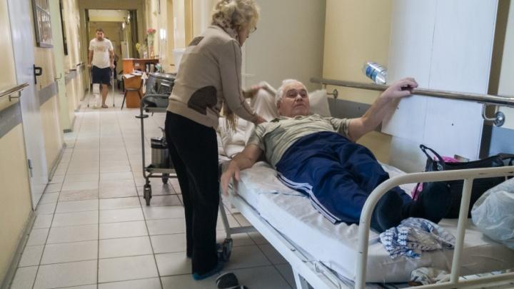 Волгоградские больницы из-за гололеда не справляются с наплывом «переломанных» пациентов