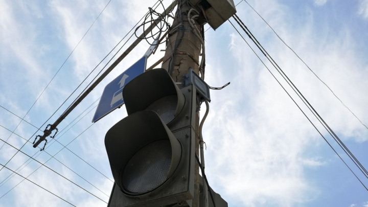 В Волгограде массово погасли светофоры