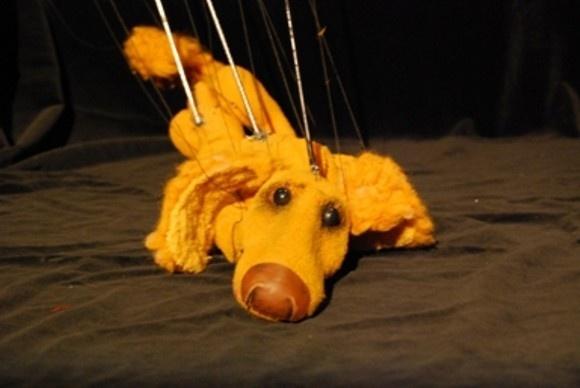 """Сцена из спектакля """"Каштанка"""" петербургского кукольного театра """"Бродячая собачка"""""""