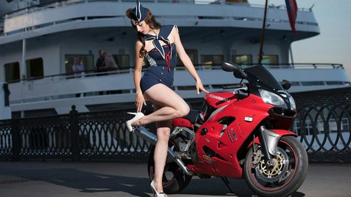 Дама на мотоцикле: в Ярославле выбирают самую красивую экстремалку