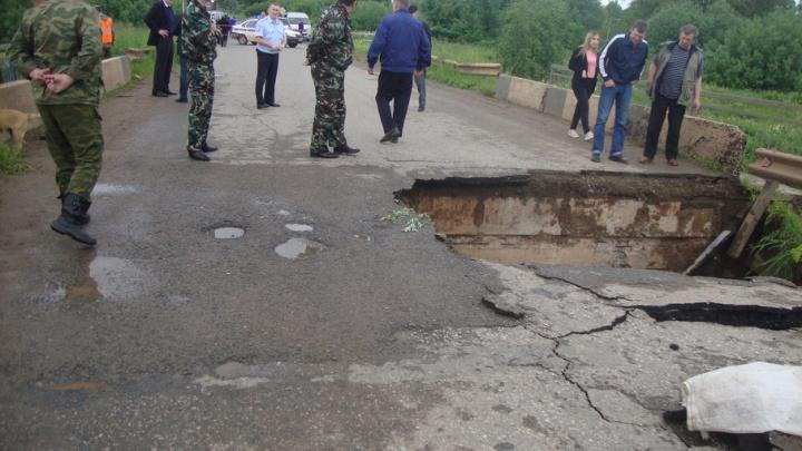 В Прикамье из-за дождя оказалась разрушена единственная дорога на Чермоз