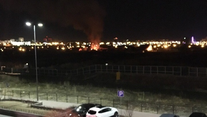 На Тарманской в Тюмени произошёл пожар: горел нежилой дом