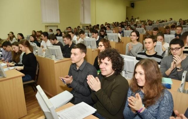Стало известно количество участников досрочного ЕГЭ в Ростовской области